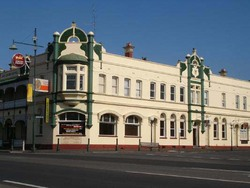 Leura Hotel - Bundaberg Accommodation