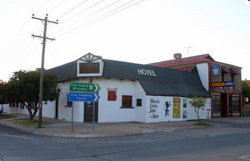 Black Lion Inn Hotel - Bundaberg Accommodation