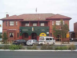 Commercial Hotel Hayfield - Bundaberg Accommodation