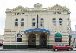 The London Hotel - Bundaberg Accommodation