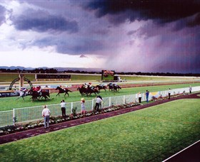 Hawkesbury Race Club - Bundaberg Accommodation
