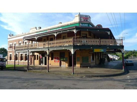Bank Hotel Dungog - Bundaberg Accommodation