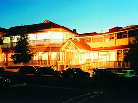 Loxton Community Hotel Motel - Bundaberg Accommodation