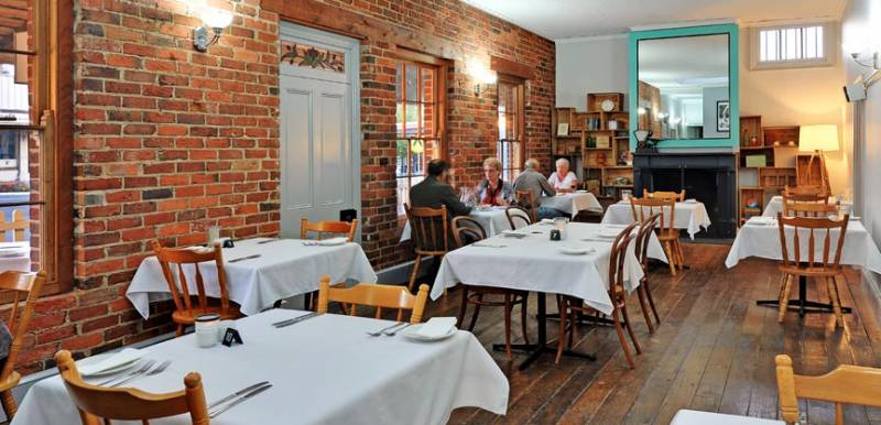 Stokers Restaurant  Bar - Bundaberg Accommodation