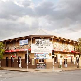 Old Sydney Hotel - Bundaberg Accommodation