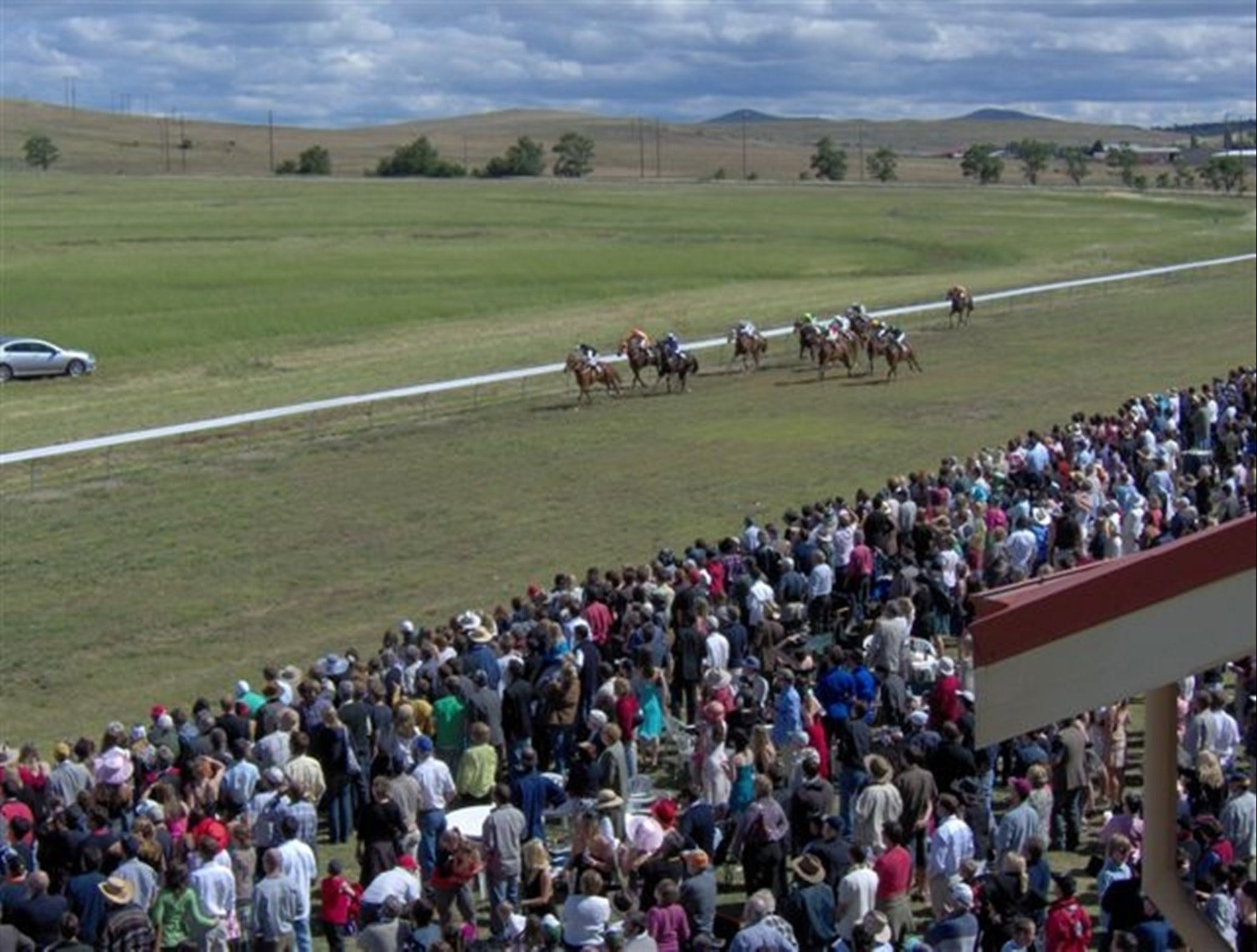 Cooma Sundowners Cup - Bundaberg Accommodation