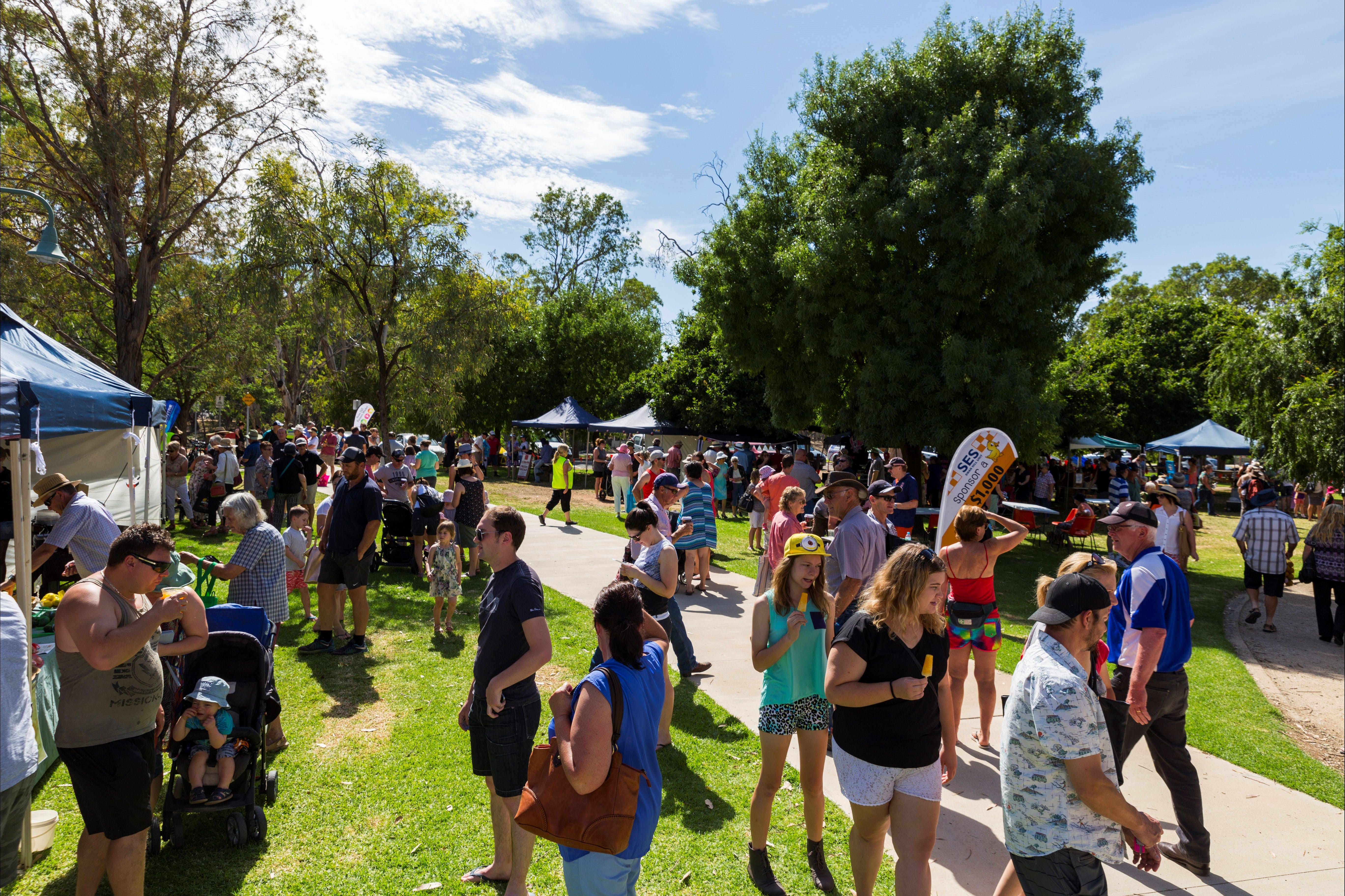 Swan Hill Farmers Market - Bundaberg Accommodation