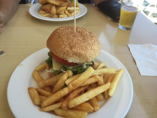 Crown Hotel Motel - Grafton Restaurant - Bundaberg Accommodation
