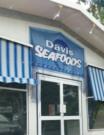 Davis Seafoods - Bundaberg Accommodation