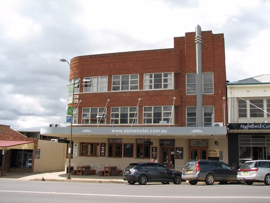 The Alpine Hotel Restaurant Cooma - Bundaberg Accommodation