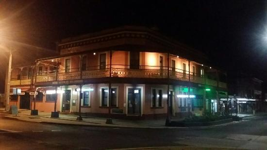 The Great Central Hotel - Bundaberg Accommodation