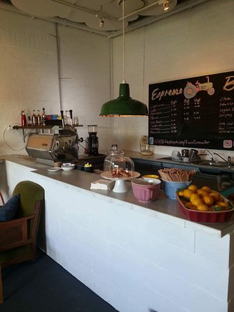 Tractor Espresso Bar - Bundaberg Accommodation