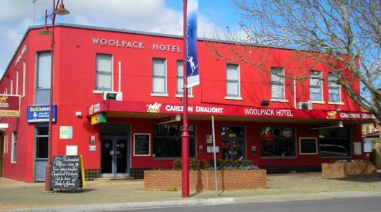 Woolpack Hotel Tumut - Bundaberg Accommodation