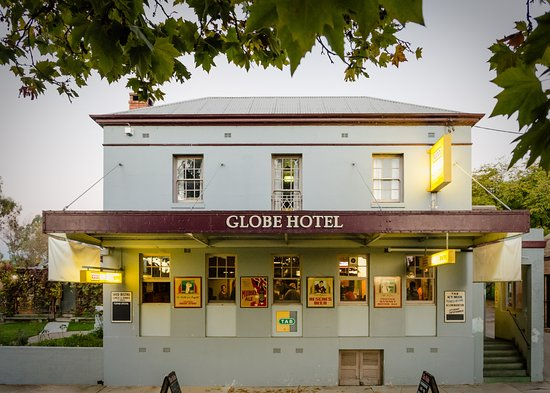 The Globe Hotel Restaurant - Bundaberg Accommodation