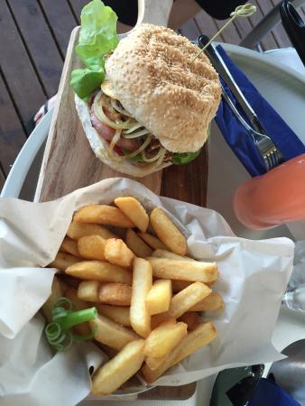 Lake Vue Cafe - Bundaberg Accommodation
