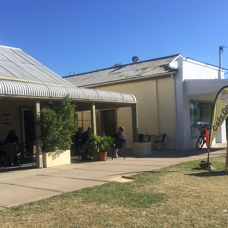 Relaxing Cafe - Bundaberg Accommodation