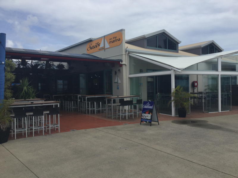 Sails Sports Bar - Bundaberg Accommodation