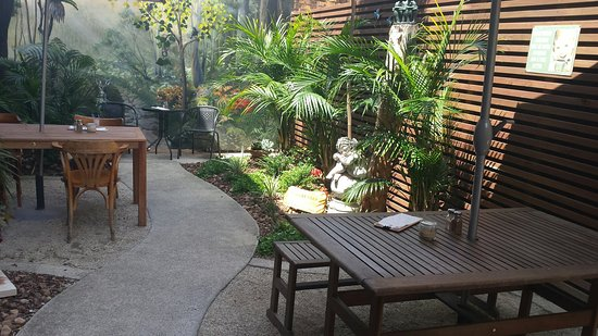The Garden Plate - Bundaberg Accommodation
