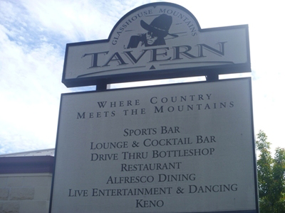 Glass House Mountains Tavern - Bundaberg Accommodation