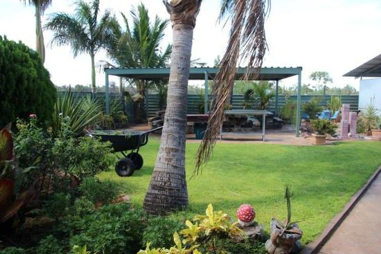 Devils Marbles Hotel - Bundaberg Accommodation