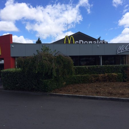 Mcdonald's Family Restaurants - Bundaberg Accommodation
