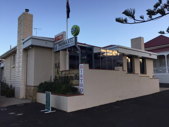 Swansea RSL Bistro - Bundaberg Accommodation
