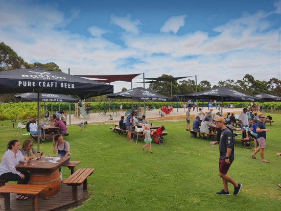 Boston Brewing Co.  Willoughby Park Winery - Bundaberg Accommodation