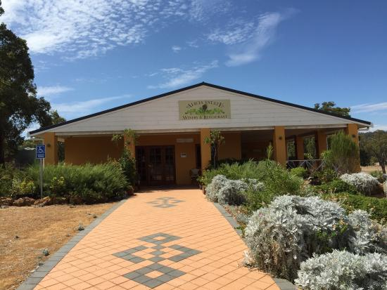 Alicia Estate Winery  Restaurant - Bundaberg Accommodation