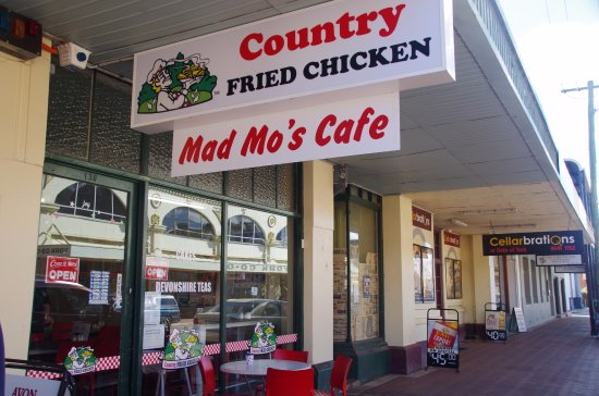 Mad Mo's - Bundaberg Accommodation