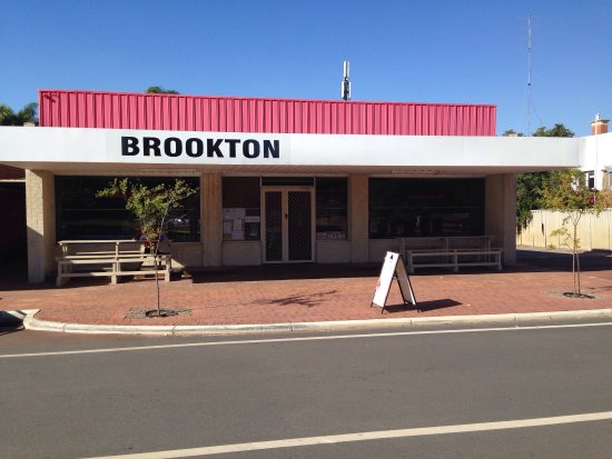 Brookton Deli - Bundaberg Accommodation