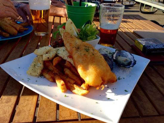 The Lighthouse Wharf Hotel - Bundaberg Accommodation