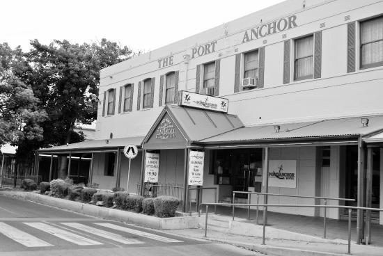 The Port Anchor Hotel - Bundaberg Accommodation