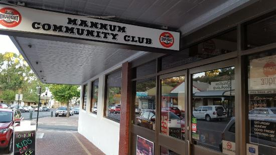 Mannum Community Club - Bundaberg Accommodation
