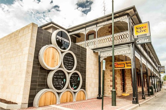 Pretoria Hotel Bistro - Bundaberg Accommodation