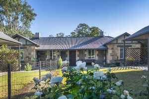 Stoneleigh Cottage Bed and Breakfast - Bundaberg Accommodation