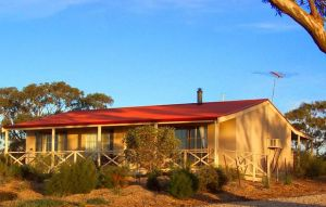 Windmill Cottage - Bundaberg Accommodation