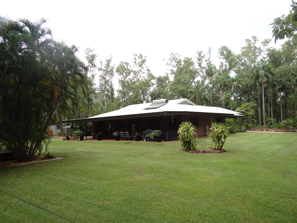 DARWIN'S SHADY ACRES RETREAT - Bundaberg Accommodation