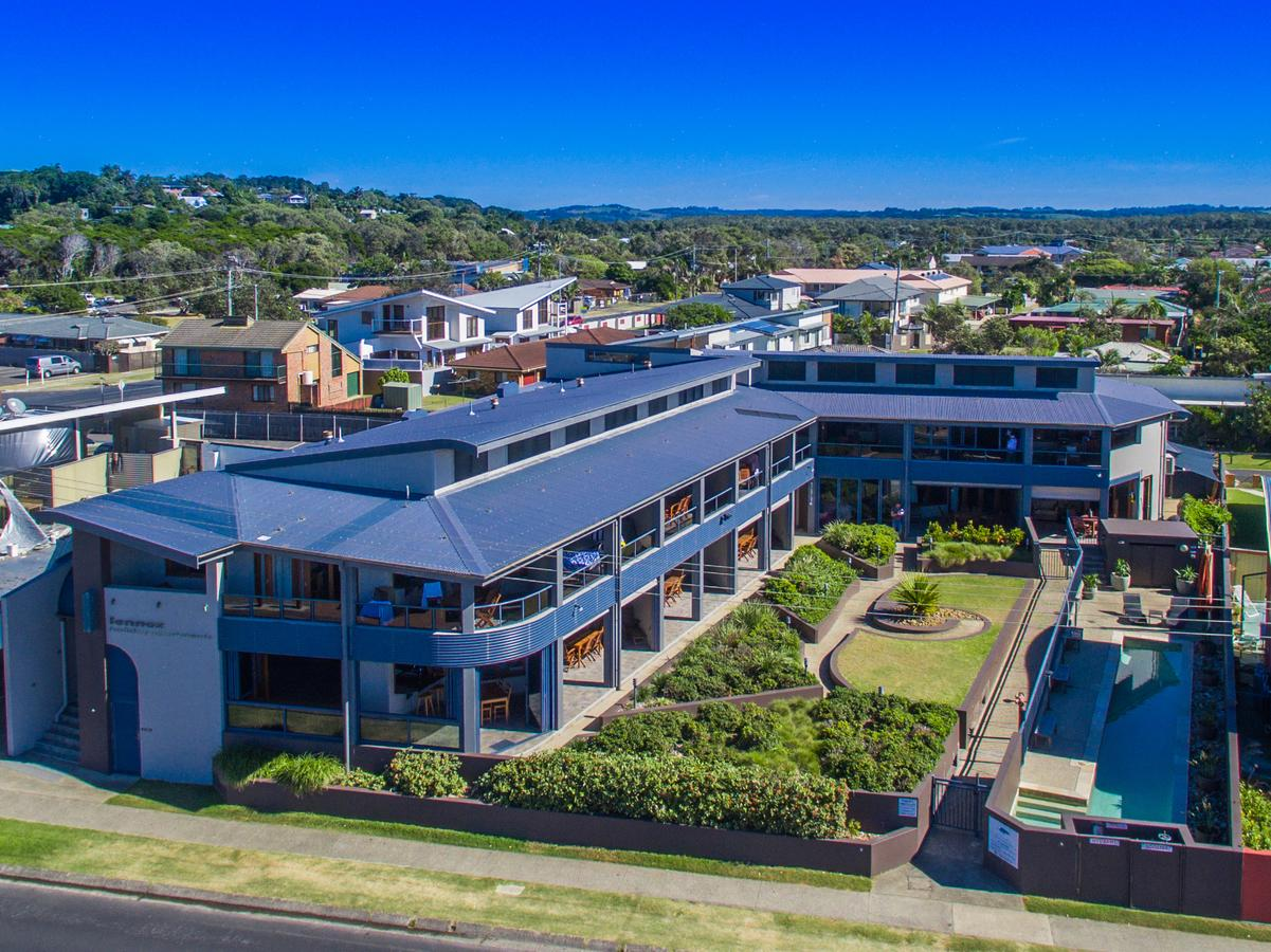 Lennox Holiday Apartments - Bundaberg Accommodation
