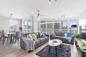 Absolute beachfront penthouse Castaways Beach - Bundaberg Accommodation